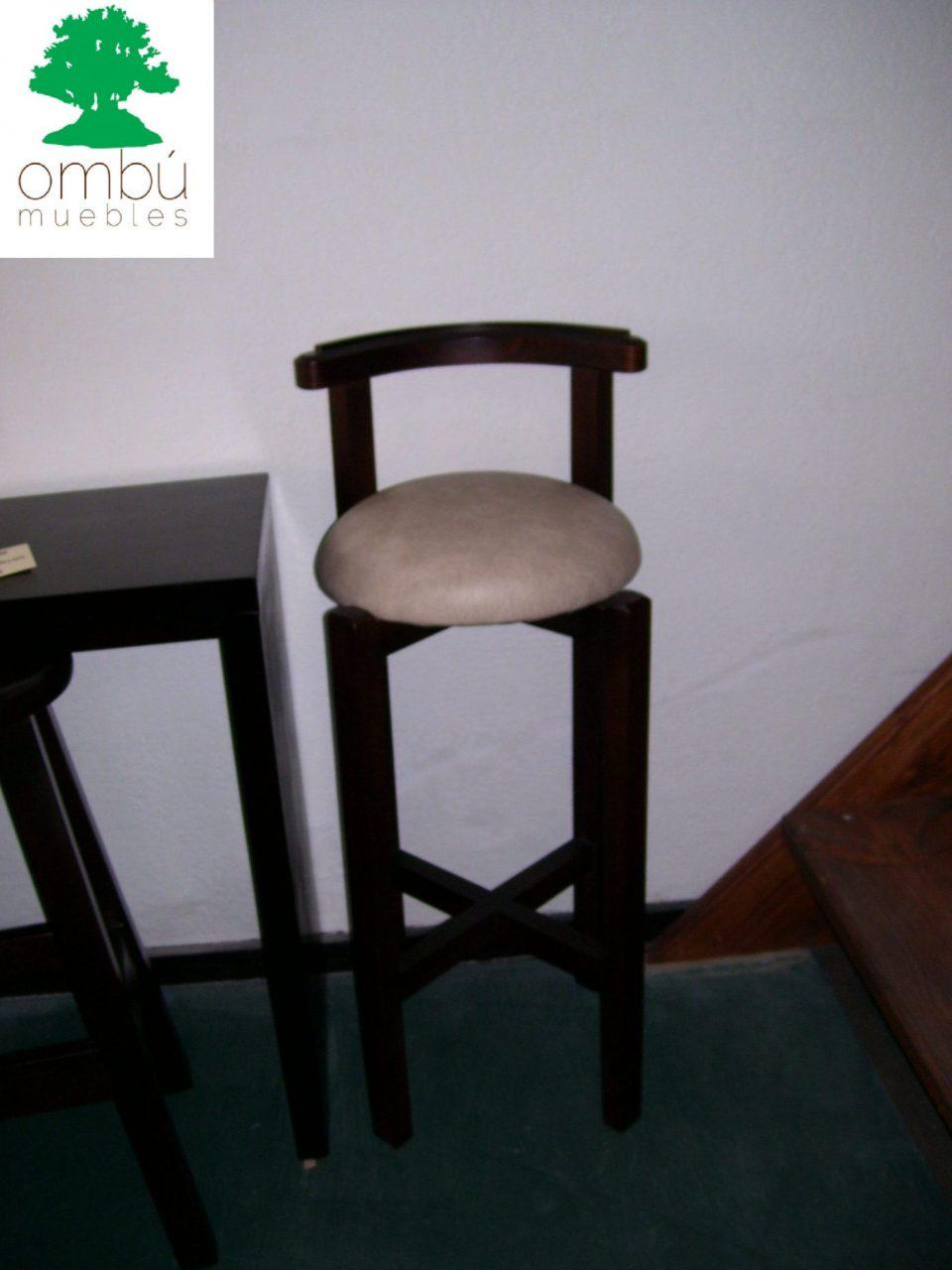 Butacas para bares en madera omb muebles uruguay for Butacas para barras en madera