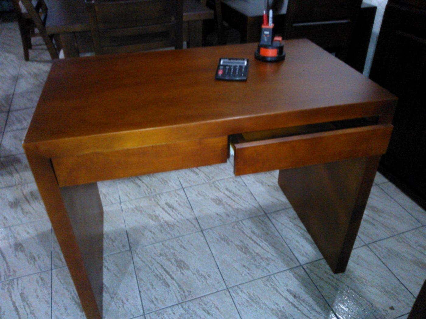 Escritorios a medida en madera omb muebles uruguay for Escritorios uruguay